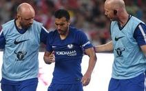 Pedro nhập viện sau pha va chạm với Ospina