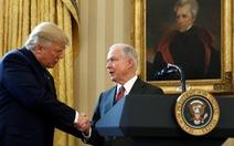 Vì sao tổng thống Trump hạ nhục bộ trưởng Tư pháp