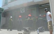 Một phòng giao dịch ngân hàng Vietcombank bị cháy