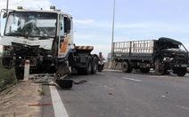 Hai xe container và xe tải tông liên hoàn trên quốc lộ 1