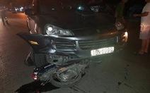 Xe sang gây tai nạn liên hoàn trong đêm