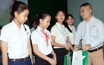 Tiếp sức nhà nông Bình Thuậncho con đến trường