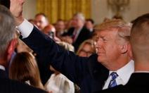 Tổng thống DonaldTrump phê chuẩn luật trừng phạt Nga