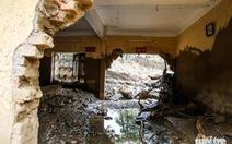 Trường học, nhà cửa tan hoang sau lũ quét