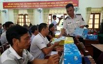 Cảnh sát biển phổ biến luật biển cho ngư dân