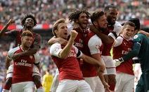 """Siêu cúp Anh: Chelsea """"tự thua"""" trước Arsenal"""
