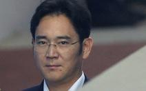 Thái tử Samsung suýt khóc khi bị kêu án 12 năm
