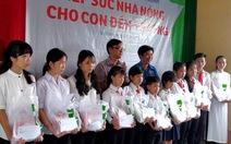 Tiếp sức cho học sinh nghèo ở Trà Vinh đến trường