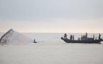 Trục vớt tàu chìm ở Nghệ An, lo nhất 10.000 lít dầu tràn ra