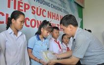 'Tiếp sức nhà nông cho con đến trường' đến Tiền Giang