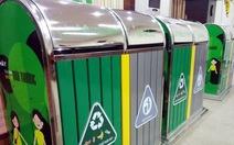 Tặng 1.000 thùng rác hai ngăn cho 24 quận, huyện