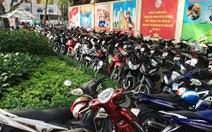 Ông Đoàn Ngọc Hải phạt bãi xe thu phí người dân đến UBND quận 1