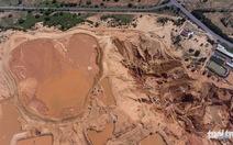 'Hố bom' titan làm tan hoang khu du lịch