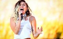 Miley Cyrus, Bruno Mars dù vắng mặt vẫn thắng lớn tại Teen Choice Awards
