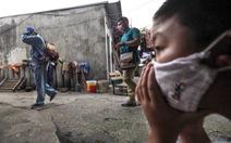 Học sinh mẩn ngứa, cay mắt nghi do thuốc diệt muỗi