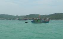 Tàu đánh cá bị đắm, 6 ngư dân thoát chết