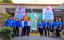 Khánh thành tượng đài anh hùng Lý Tự Trọng tại quận Tân Bình