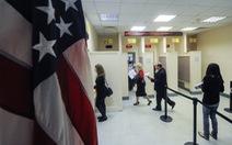 Mỹ tạm ngưng cấp visa phi định cư cho công dân Nga