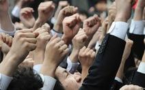"""Nhật Bản đối phó với cao điểm """"mùa"""" học sinh tự tử"""