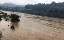 Lũ trên sông Hồng tại Lào Cai lên cao