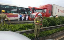 Tai nạn trên cao tốc Pháp Vân - Cầu Giẽ, ít nhất 10 người bị thương