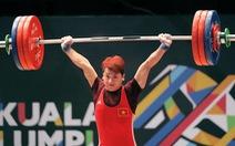Trịnh Văn Vinh nén đau đánh bại á quân Olympic