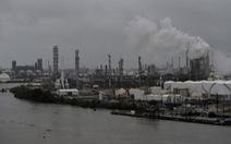 Mỹ 'xả kho' 500.000 thùng dầu thô hạ nhiệt giá dầu sau bão Harvey