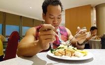 Bữa ăn của nhà vô địch Paralympic Lê Văn Công