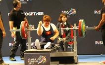 Đối thủ bất lực nhìn các nữ lực sĩ VN phá kỷ lục Para Games