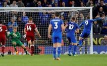 """Vardy sút hỏng penalty, Leicester """"phơi áo"""" trước Liverpool"""