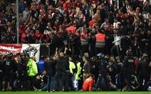 Hàng loạt CĐV chấn thương vì sự cố ở Giải vô địch Pháp