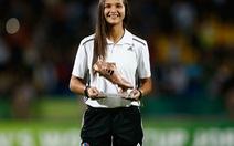 Nữ sinh viên truyền thông sánh ngang Messi, Ronaldo