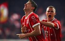 Thắng dễ 10 người Leipzig, B.M chiếm ngôi đầu bảng