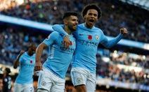 Đá bại Arsenal, M.C tạm bỏ xa M.U 8 điểm
