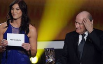 Thủ thành Solo tố bị cựu chủ tịch FIFA Blatter sàm sỡ
