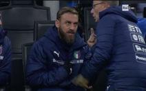 Muốn đội nhà tấn công, De Rossi không chịu vào sân