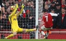 Năm phút bùng nổ, Arsenal hạ gục Tottenham tại Emirates