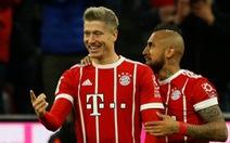 Lewandowski lập cú đúp, B.M thắng dễ Augsburg