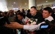 Giggs và Scholes choáng ngợp trước cánh phóng viên VN