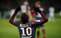 """Neymar và Cavani """"nổ súng"""", PSG bỏ xa Monaco 12 điểm"""