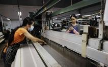 Mở tour miễn phí xem sản xuất trà và tơ lụa