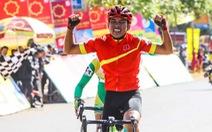 Cua-rơ 18 tuổi Anh Khoa chiến thắng vòng đua thị xã Gia Nghĩa