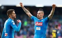 Thắng ngược Sampdoria, Napoli giữ vững ngôi đầu