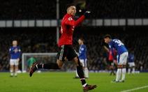 Martial và Lingard ghi bàn đẹp, M.U tìm lại niềm vui chiến thắng