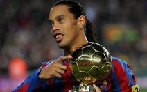 Ronaldinho giải nghệ
