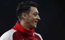 Điểm tin tối 31-1: Ozil ở lại Arsenal đến năm 2021
