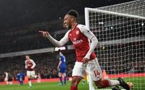 Aubameyang ghi bàn, Arsenal đè bẹp Everton