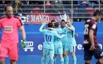 Barcelona thắng dễ 10 người Eibar