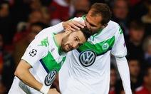Điểm tin sáng 10-3: Schalke rút ngắn khoảng cách với B.M