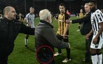Giải vô địch Hy Lạp bị đình chỉ sau vụ chủ tịch CLB mang súng vào sân